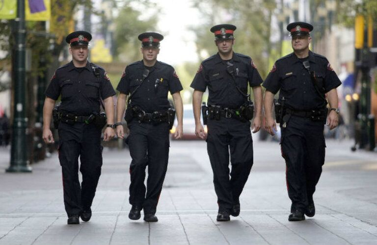 Discounts for police officers in Calgary AB