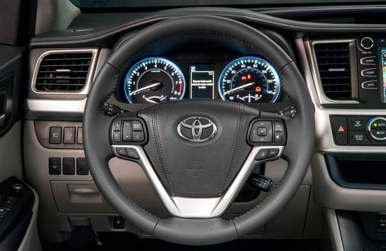 2018 Toyota Highlander Hybrid steering wheel.
