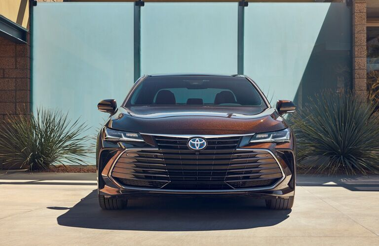 front grille of dark red Toyota Avalon