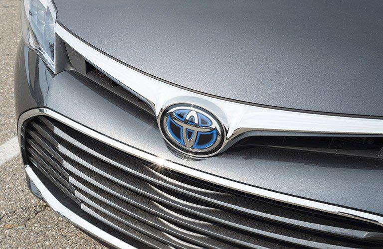 2017 Toyota Avalon Hybrid hybrid emblem