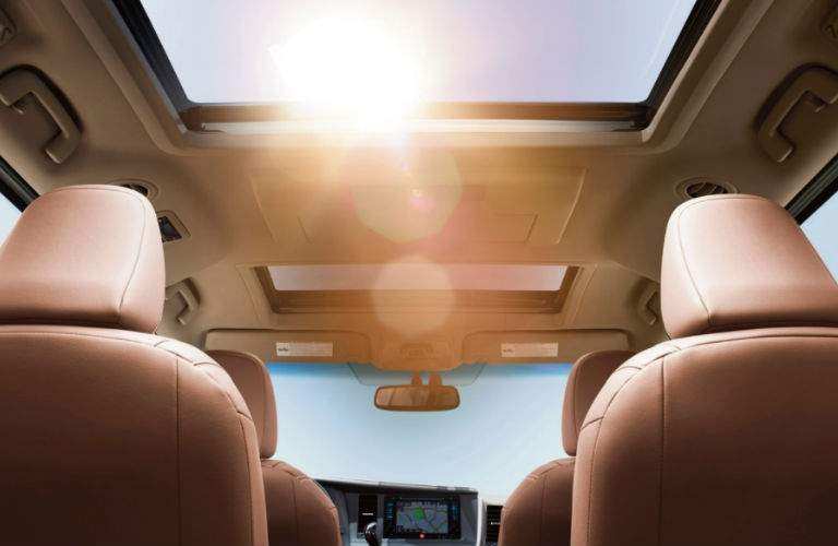 2018 Toyota Sienna view of sunroof