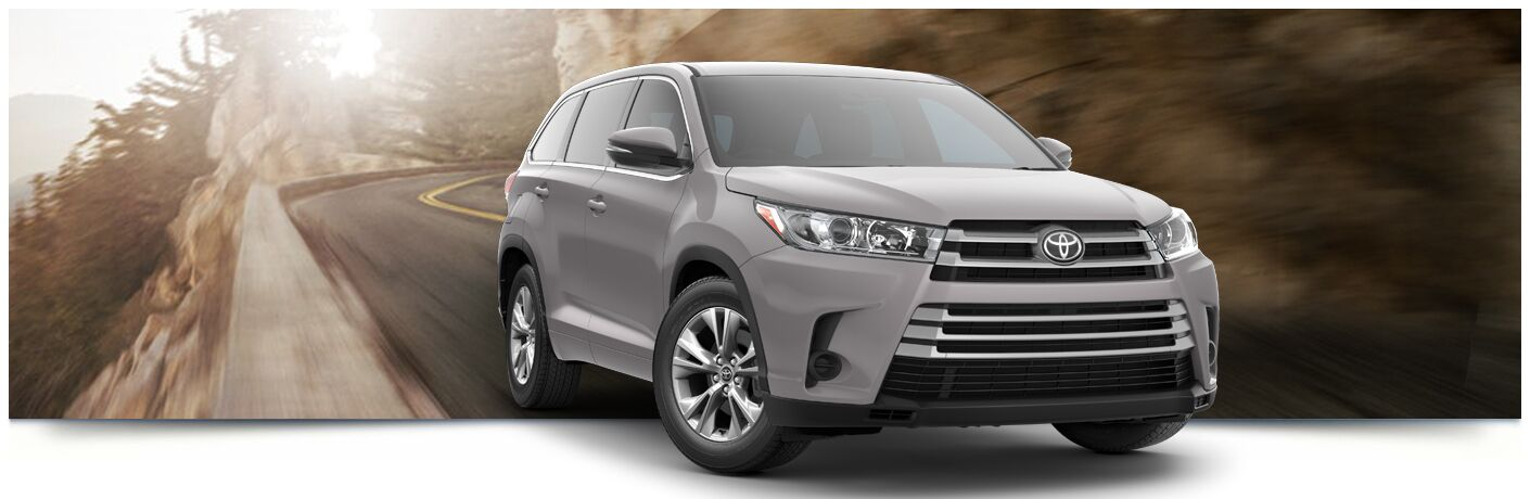 A photo illustration of the front of the 2018 Toyota Highlander.