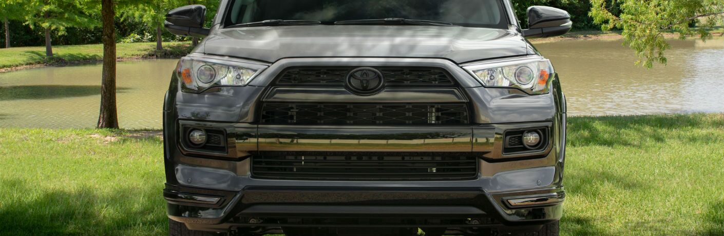 A head-on photo of the Nightshade Edition grille on the 2019 Toyota 4Runner.
