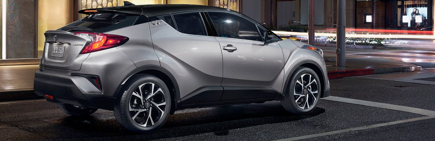 A right profile photo of the 2019 Toyota C-HR.