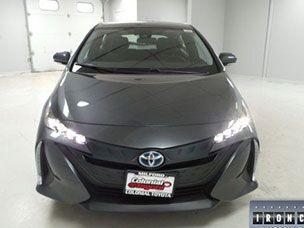 2018 Toyota Prius Prime vs. 2018 Nissan Leaf