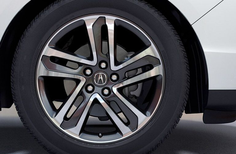 wheels on silver 2019 Acura MDX