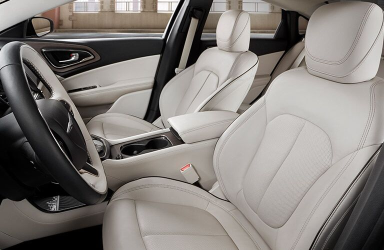 2017 Chrysler 200 front seating showcase