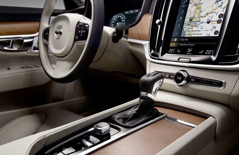 2018 Volvo S60 front interior