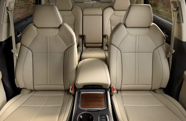interior seating in the 2017 Acura MDX