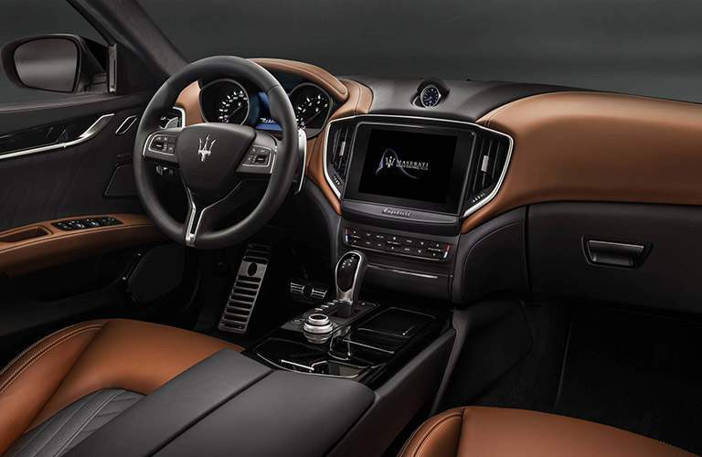 interior front of the 2018 Maserati Ghibli
