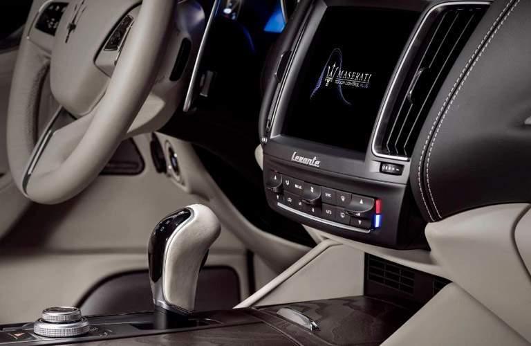 2018 Maserati Levante interior infotainment system