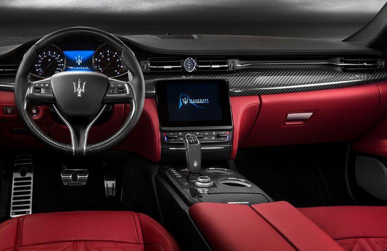 Dashboard in 2019 Maserati Quattroporte