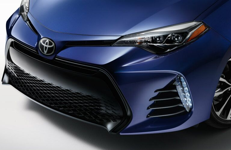 Headlights and front grille of 2017 Toyota Corolla
