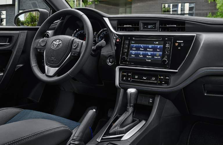 2018 Toyota Corolla near Downers Grove IL Technology