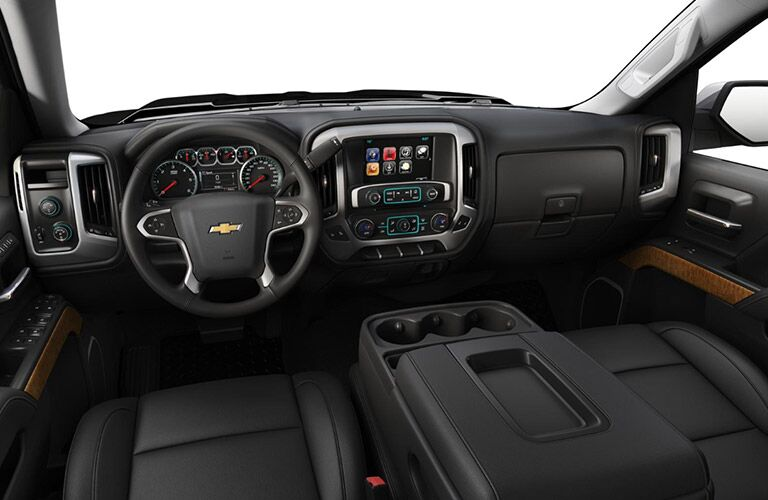 2018 Chevrolet Silverado dash and wheel