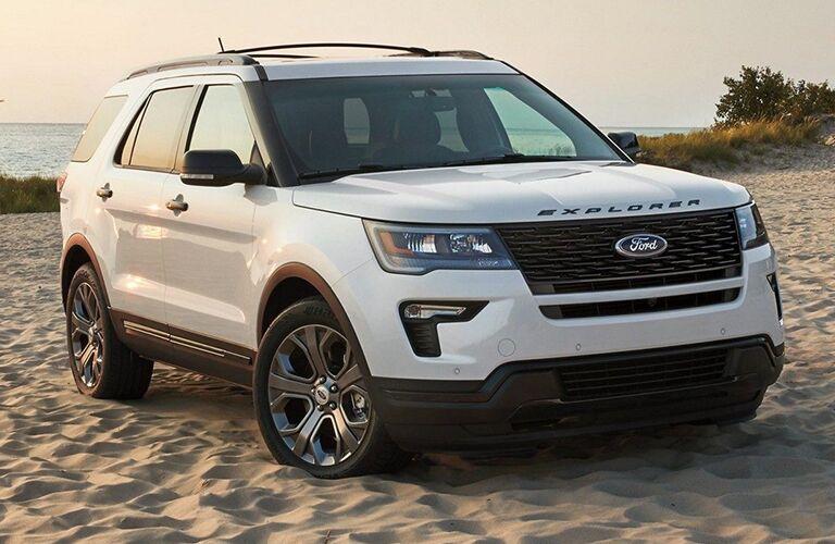 2019 Ford Explorer in white