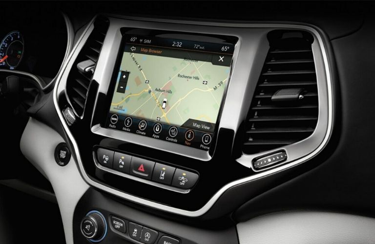 2020 Jeep Cherokee touchscreen and dash