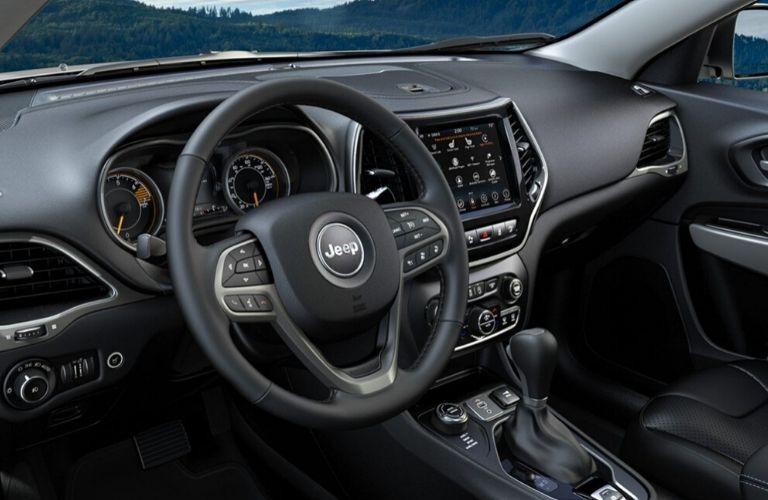 2020 Jeep Cherokee dash and wheel view