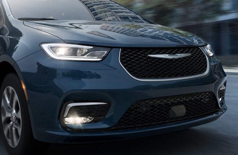2021 Chrysler Pacifica hood
