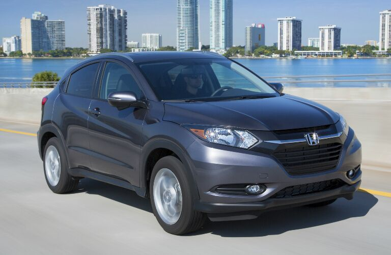 2017 Honda HR-V vs 2017 Jeep Renegade Performance and Engine Specs