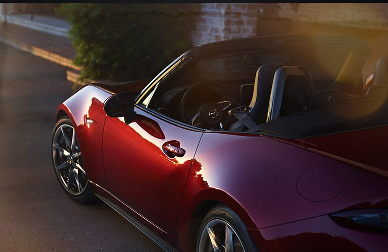 2016 Mazda Miata interior features and performance