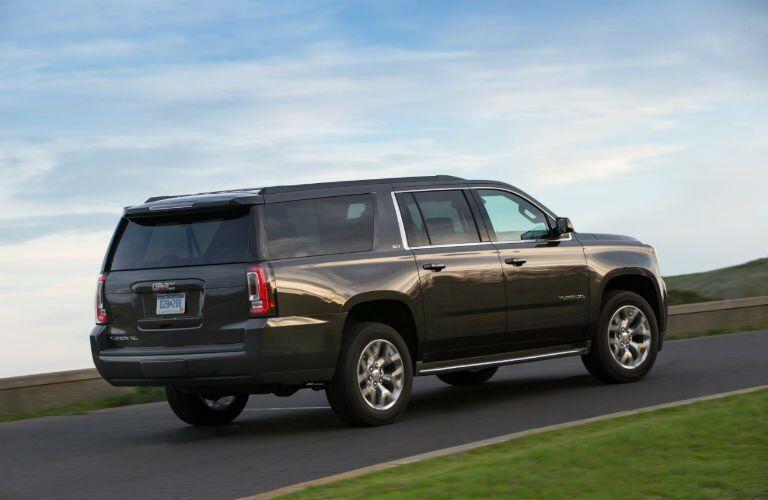 2017-GMC-Yukon-XL-Exterior-Rear-Profile