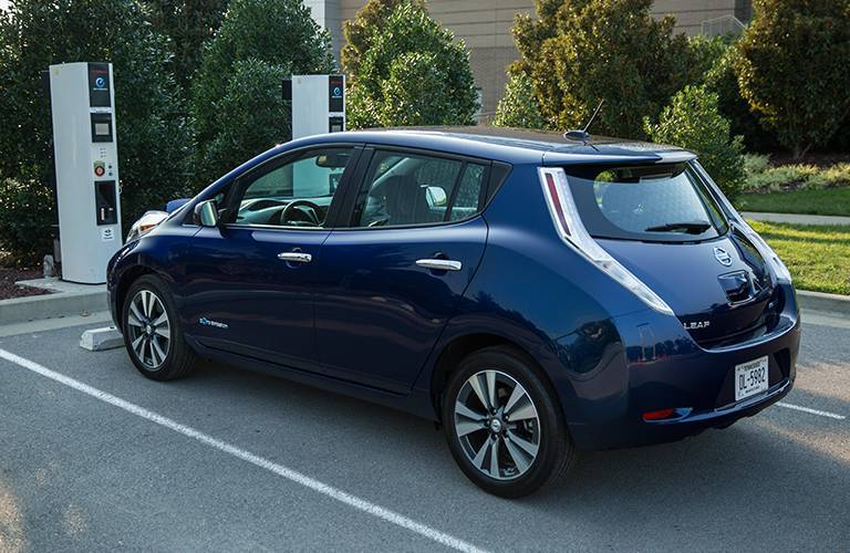 2016 Nissan Leaf eco-friendly value and savings tax rebate battery powered Arlington Heights Schaumburg Buffalo Grove Palatine Chicago IL