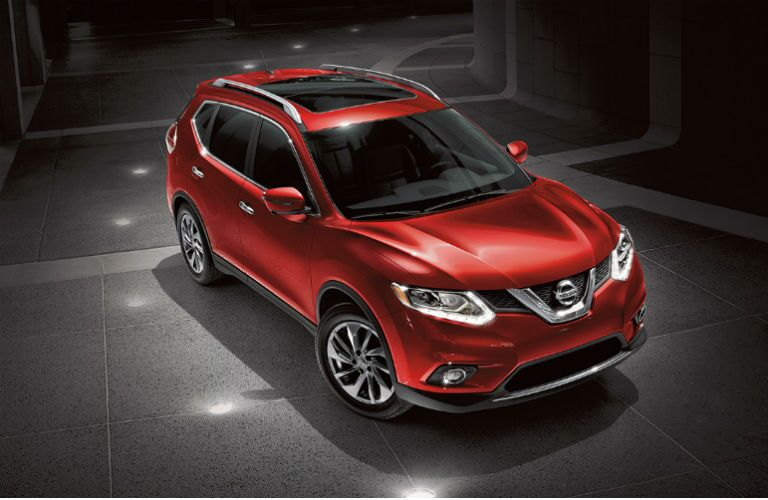 2016 Nissan Rogue crossover Cayenne Red color option Naperville IL