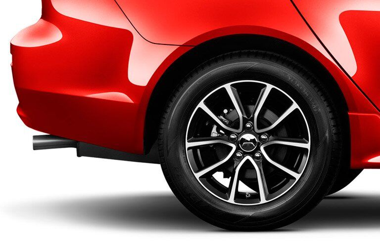 2017 Mitsubishi Lancer rear wheel