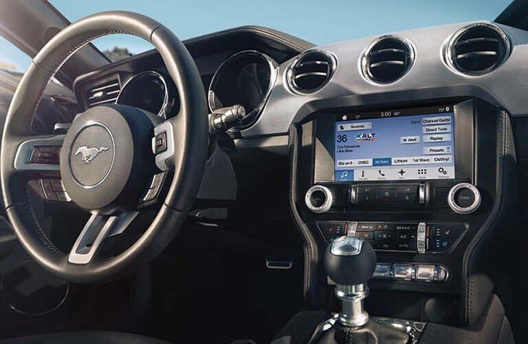 2017 Ford Mustang performance and technology