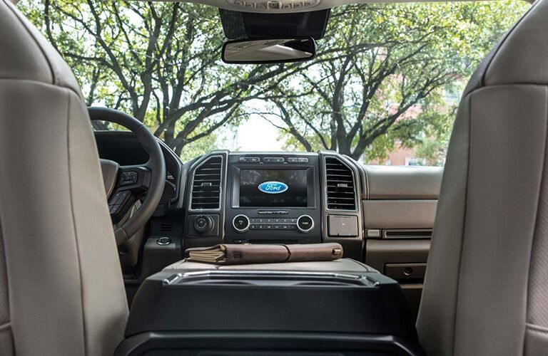 Center touchscreen and console in 2019 Ford Expedition