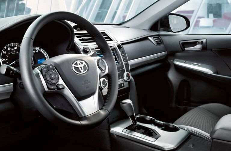 2014 Toyota Camry steering wheel and interior
