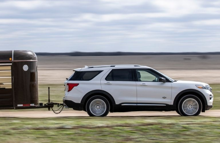 2021 Ford Explorer side view