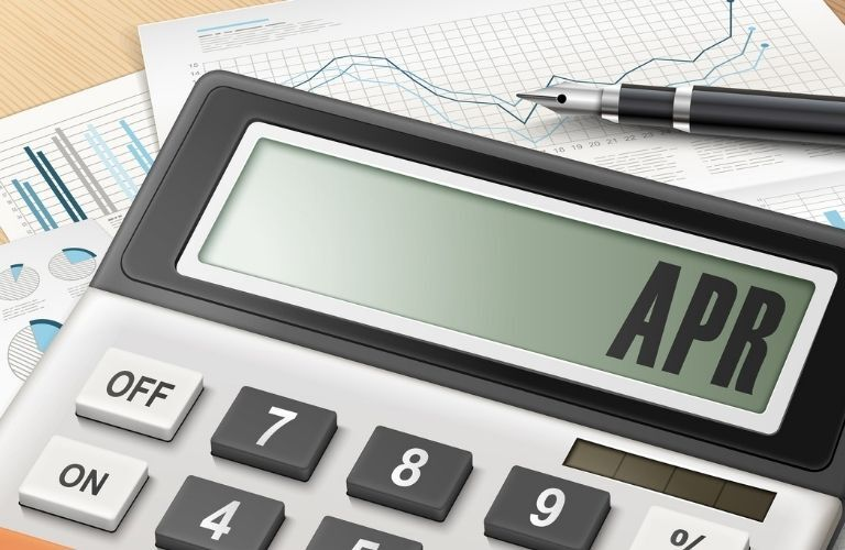 A calculator with APR on the screen