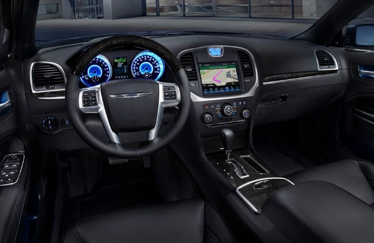 Interior front dash view of 2013 Chrystler 300