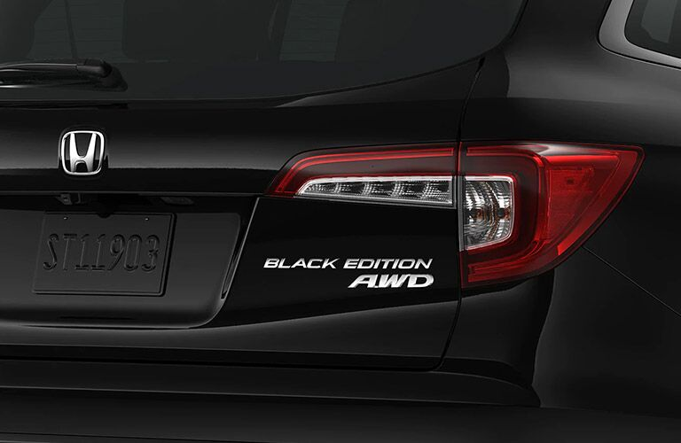 Close up of the taillight on the 2021 Honda Pilot