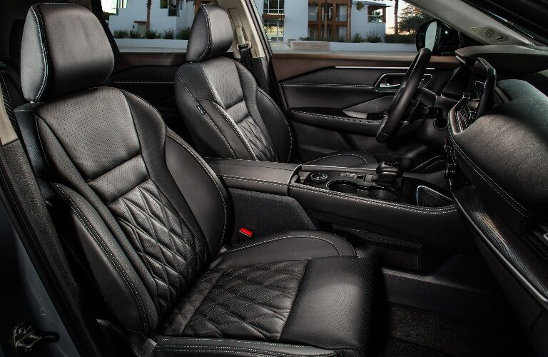 Front seats in the 2021 Nissan Rogue