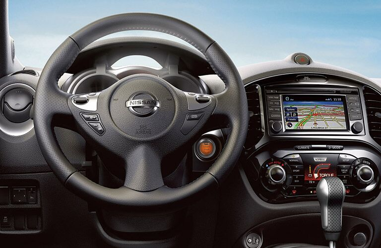 2017 Nissan Juke cabin interior and infotainment system