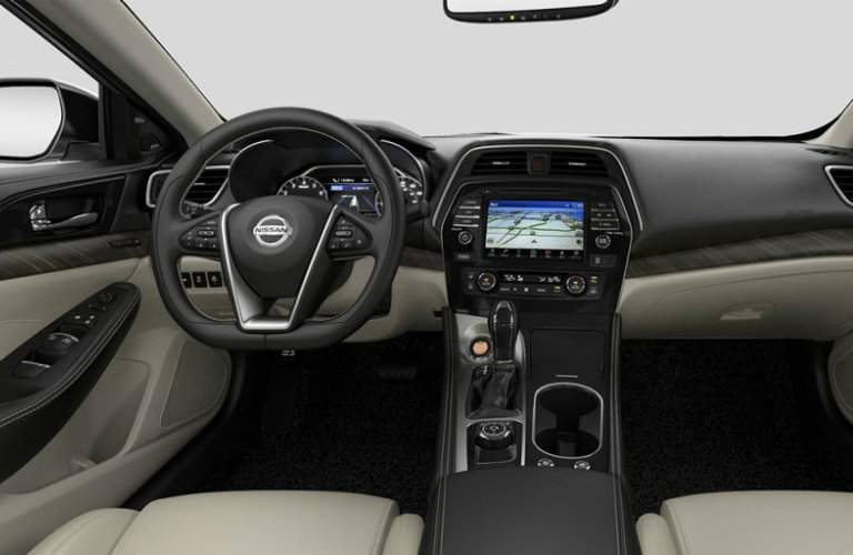 infotainment system in the 2017 Nissan Maxima