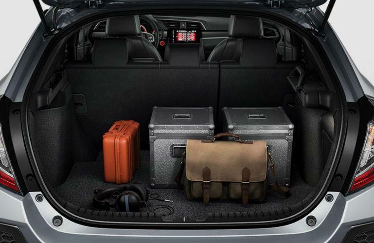 2018 Honda Civic Hatchback with cargo organizer