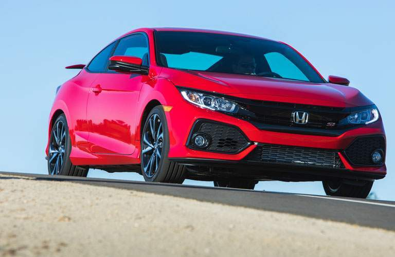 View of the 2017 Honda Civic Si from the front