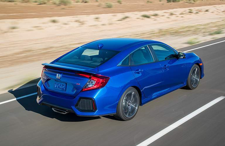 2018 Honda Civic Si Coupe driving in the desert