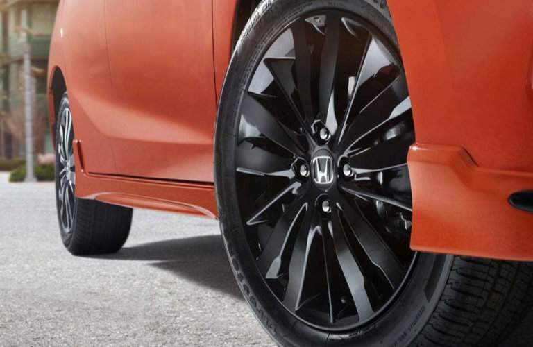 View of the wheel of the 2018 Honda Fit