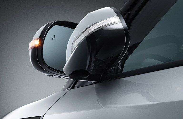 2017 Kia Soul folding side mirrors in action