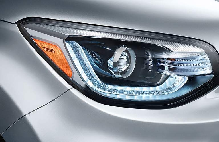 front headlight of silver 2018 kia soul