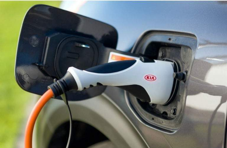 2018 Kia Niro Plug-In Hybrid plugged in