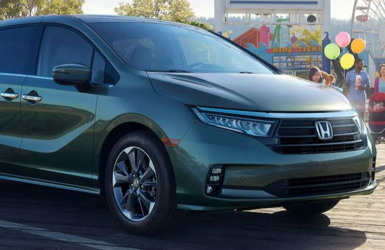 2021 Honda Odyssey Elite front in green