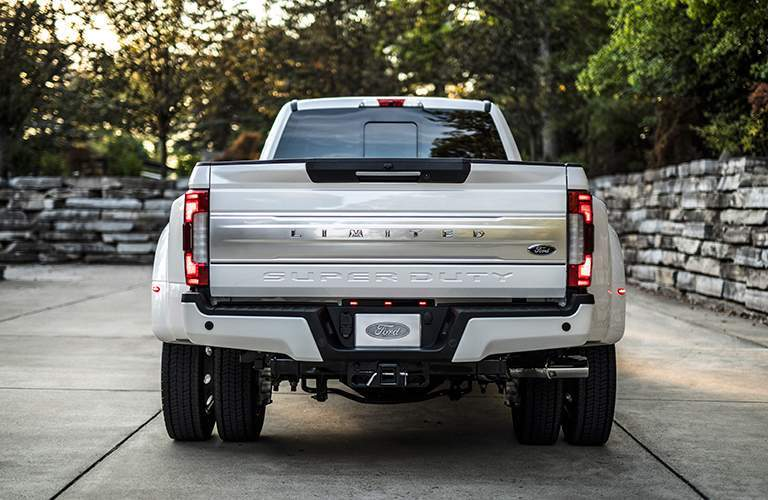 Rear tailgate applique of 2018 ford super duty limited with dually setup