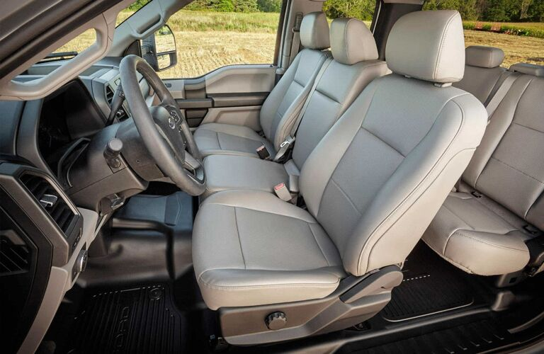 2018 Ford Super Duty F-350 Interior Cabin Seating and Dashboard