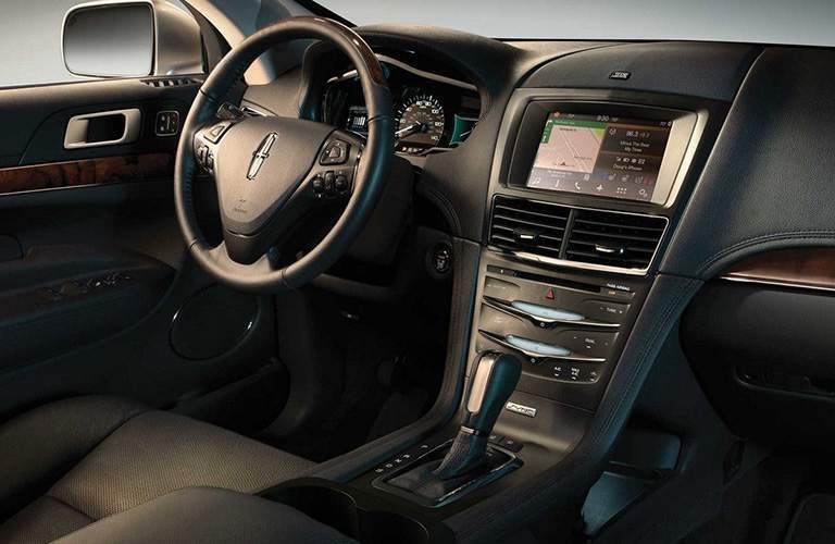 2018 Lincoln MKT interior dash and display